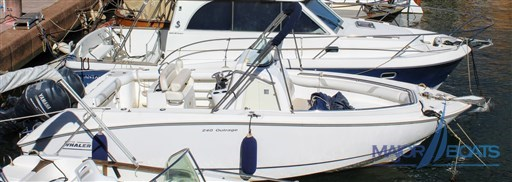 BOSTON WHALER 240 OUTRAGE (1)