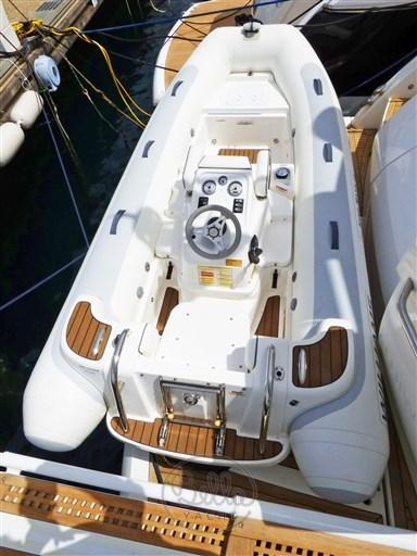 P1050307 - Sunseeker Manhattan 60 Flybridge - Bella Yacht - Mathieu Gueudin - Yacht Broker - Sale - Rent - Charter - Management - Monaco - Cannes - Saint Tropez