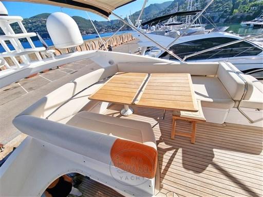 6 - Sunseeker Manhattan 60 Flybridge - Bella Yacht - Mathieu Gueudin - Yacht Broker - Sale - Rent - Charter - Management - Monaco - Cannes - Saint Tropez