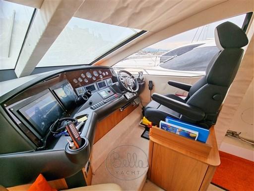 14 - Sunseeker Manhattan 60 Flybridge - Bella Yacht - Mathieu Gueudin - Yacht Broker - Sale - Rent - Charter - Management - Monaco - Cannes - Saint Tropez