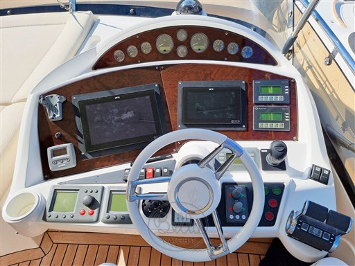 3 - Sunseeker Manhattan 60 Flybridge - Bella Yacht - Mathieu Gueudin - Yacht Broker - Sale - Rent - Charter - Management - Monaco - Cannes - Saint Tropez