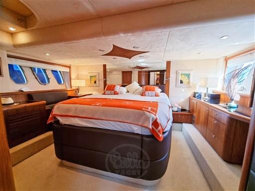 17 - Sunseeker Manhattan 60 Flybridge - Bella Yacht - Mathieu Gueudin - Yacht Broker - Sale - Rent - Charter - Management - Monaco - Cannes - Saint Tropez