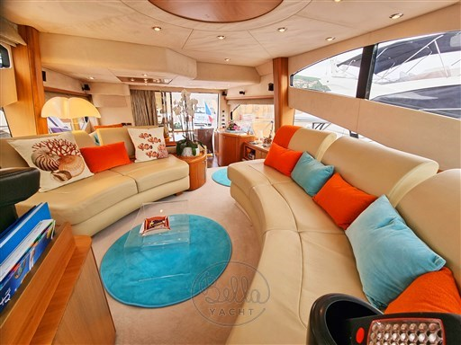 11 - Sunseeker Manhattan 60 Flybridge - Bella Yacht - Mathieu Gueudin - Yacht Broker - Sale - Rent - Charter - Management - Monaco - Cannes - Saint Tropez
