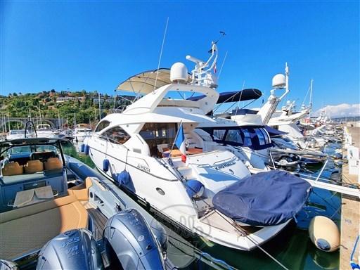 1 - Sunseeker Manhattan 60 Flybridge - Bella Yacht - Mathieu Gueudin - Yacht Broker - Sale - Rent - Charter - Management - Monaco - Cannes - Saint Tropez