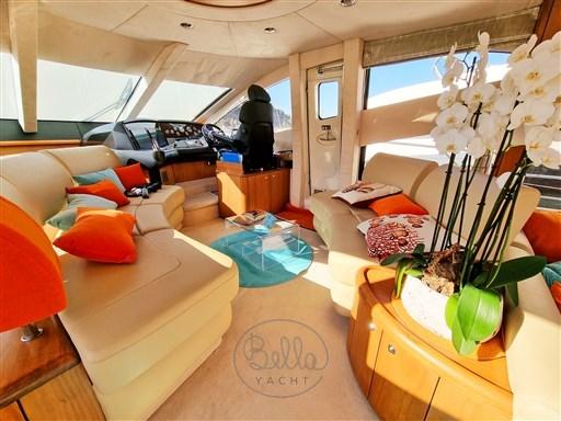 9 - Sunseeker Manhattan 60 Flybridge - Bella Yacht - Mathieu Gueudin - Yacht Broker - Sale - Rent - Charter - Management - Monaco - Cannes - Saint Tropez