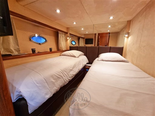23 - Sunseeker Manhattan 60 Flybridge - Bella Yacht - Mathieu Gueudin - Yacht Broker - Sale - Rent - Charter - Management - Monaco - Cannes - Saint Tropez