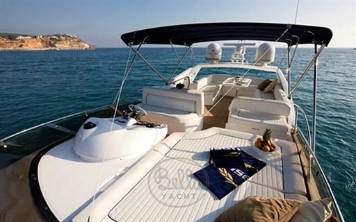 2 - Sunseeker Manhattan 60 Flybridge - Bella Yacht - Mathieu Gueudin - Yacht Broker - Sale - Rent - Charter - Management - Monaco - Cannes - Saint Tropez