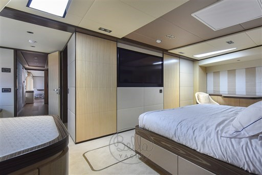 Owner's Stateroom (3)