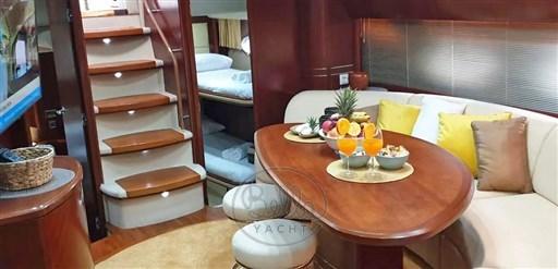 8 - Princess -Bella Yacht - A vendre location - yacht broker- Mathieu Geudin