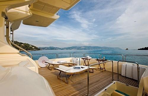 Mochi_Long_Range_23_bella_yacht_long chair