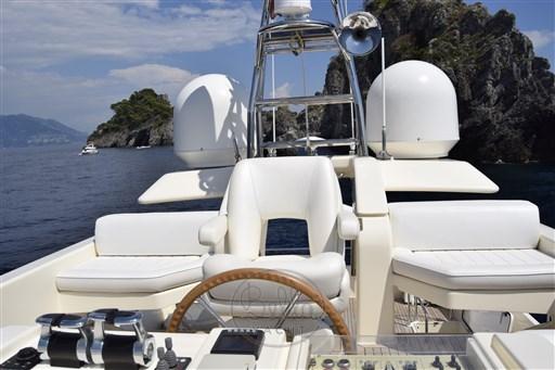 _Mochi_Long_Range_23_bella_yacht_tower