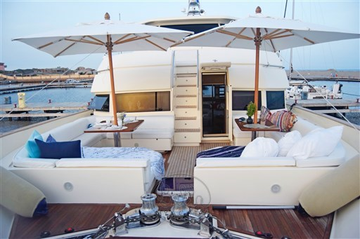 Mochi_Long_Range_23_bella_yacht_bridge
