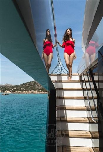 4 - Dominator Yachts - Illumen MY HANAA - Mathieu Gueudin - Yacht Broker - Yachts for sale - Charter - Management - Monaco - Cannes - Saint Tropez