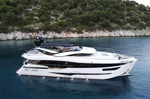 Dominator Yachts Illumen My Hanaa