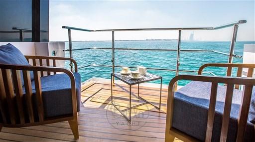 Majesty140- a vendre -yacht -luxe- Cannes- Monaco -St Tropez- Gulf craft - Bella yacht-balcony
