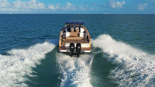 1 - C Tender 38 - Vente - Location - Cannes - Monaco - St Tropez - Bella Yacht - Yacht Broker - Mathieu Gueudin