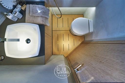 18 - C Tender 38 - Vente - Location - Cannes - Monaco - St Tropez - Bella Yacht - Yacht Broker - Mathieu Gueudin