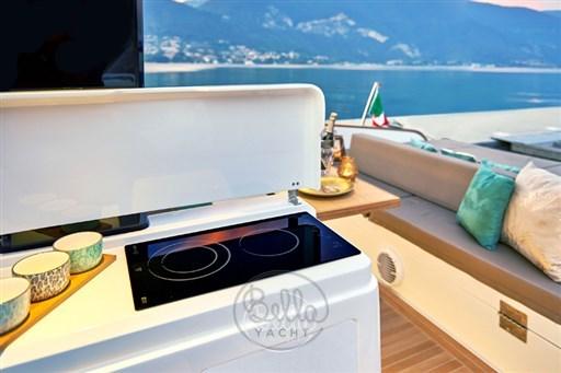 9 - C Tender 38 - Vente - Location - Cannes - Monaco - St Tropez - Bella Yacht - Yacht Broker - Mathieu Gueudin