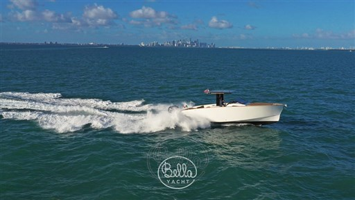2 - C Tender 38 - Vente - Location - Cannes - Monaco - St Tropez - Bella Yacht - Yacht Broker - Mathieu Gueudin