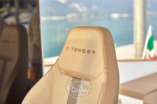 14 - C Tender 38 - Vente - Location - Cannes - Monaco - St Tropez - Bella Yacht - Yacht Broker - Mathieu Gueudin