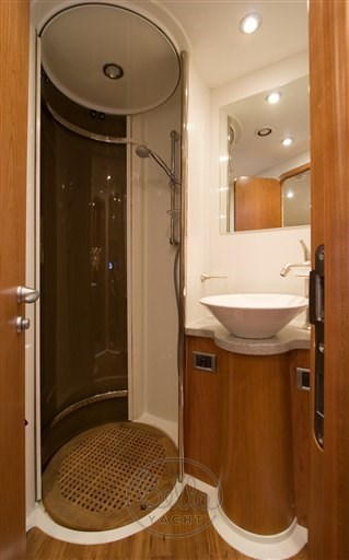 BROCHURE_ENSUITE_BATHROOM