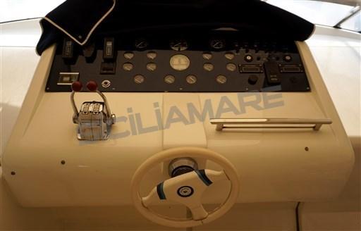 P 39 console 1.jpg