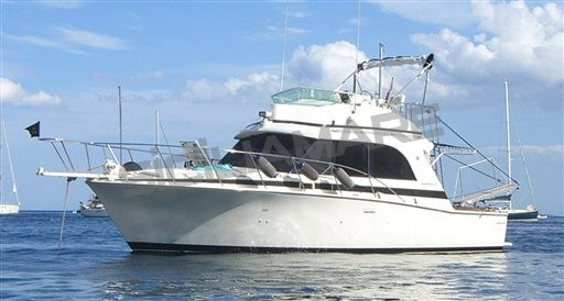 Bertram Yacht 33 Fly Sport Cruiser